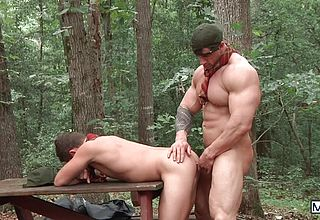 5 naughty folks drill each other in the outback