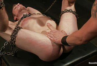Pretty stud in chains takes it deep